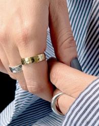 & Other Stories - Geslagen ring in goud